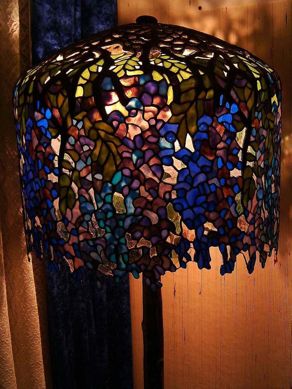 Wunderland bei Nacht: Lampen in Tiffany-Technik